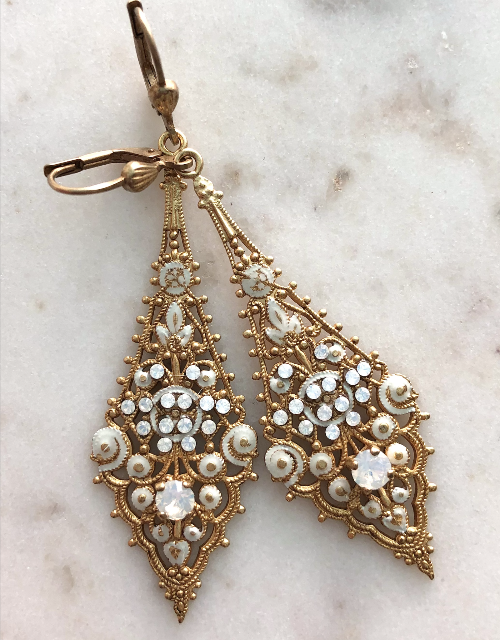 LA VIE PARISIENNE INC EARRING OBLONG ENAMEL GOLD
