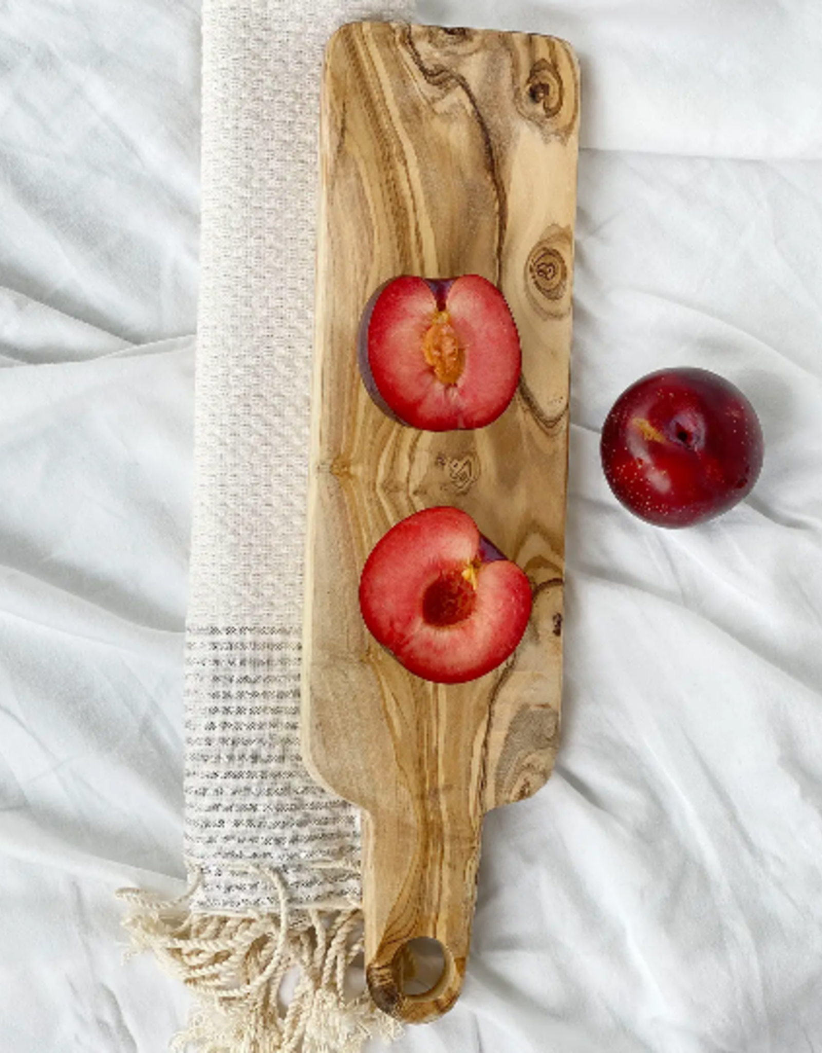 SCENTS AND FEEL TRAY 15X4 WITH HANDLE OLIVE WOOD