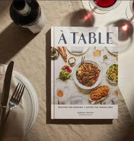CHRONICLE BOOKS À TABLE