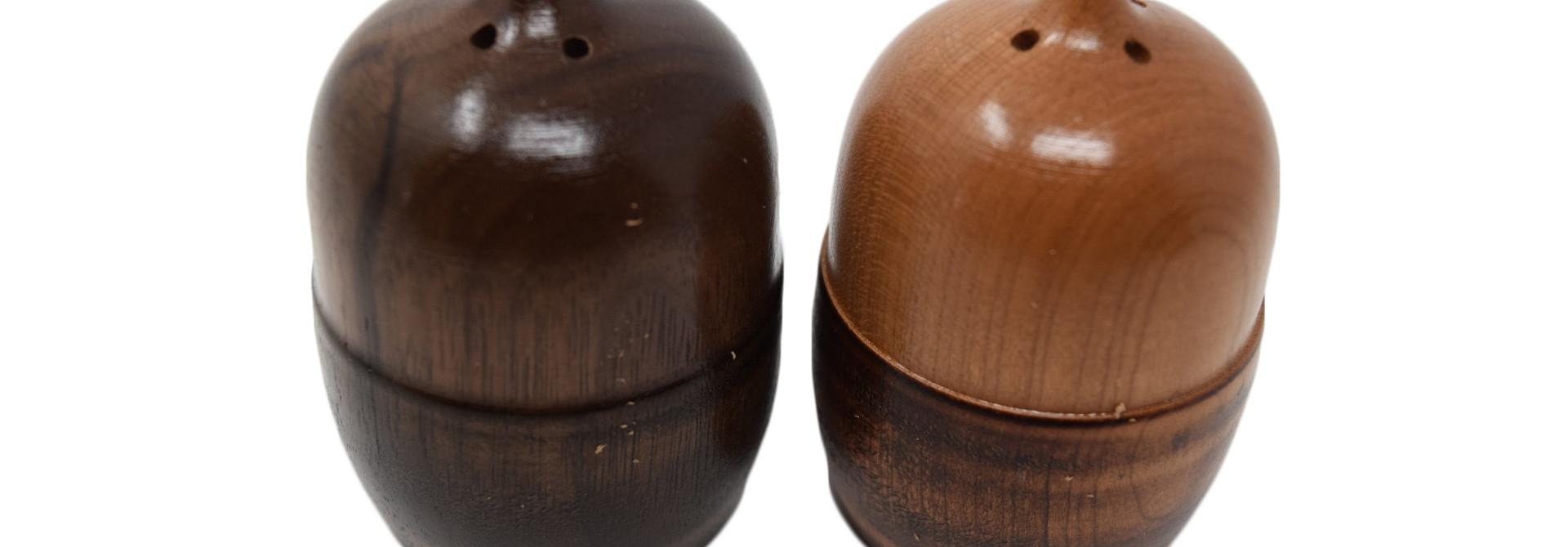 Acorn Salt and Pepper Shaker Set