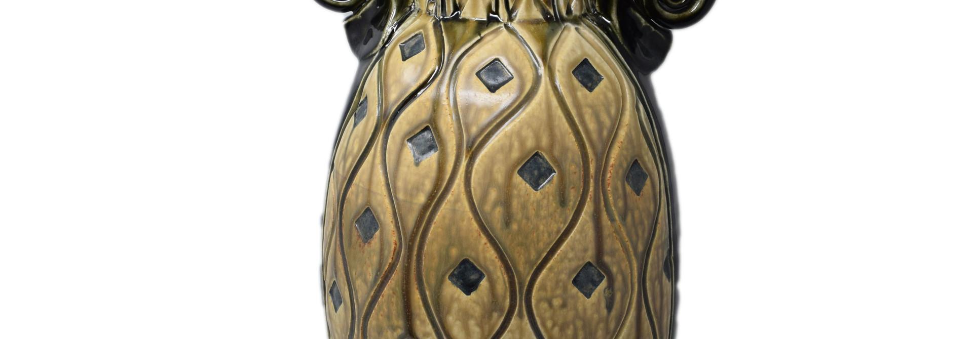 Large Vase w/Diamonds Black and Tan
