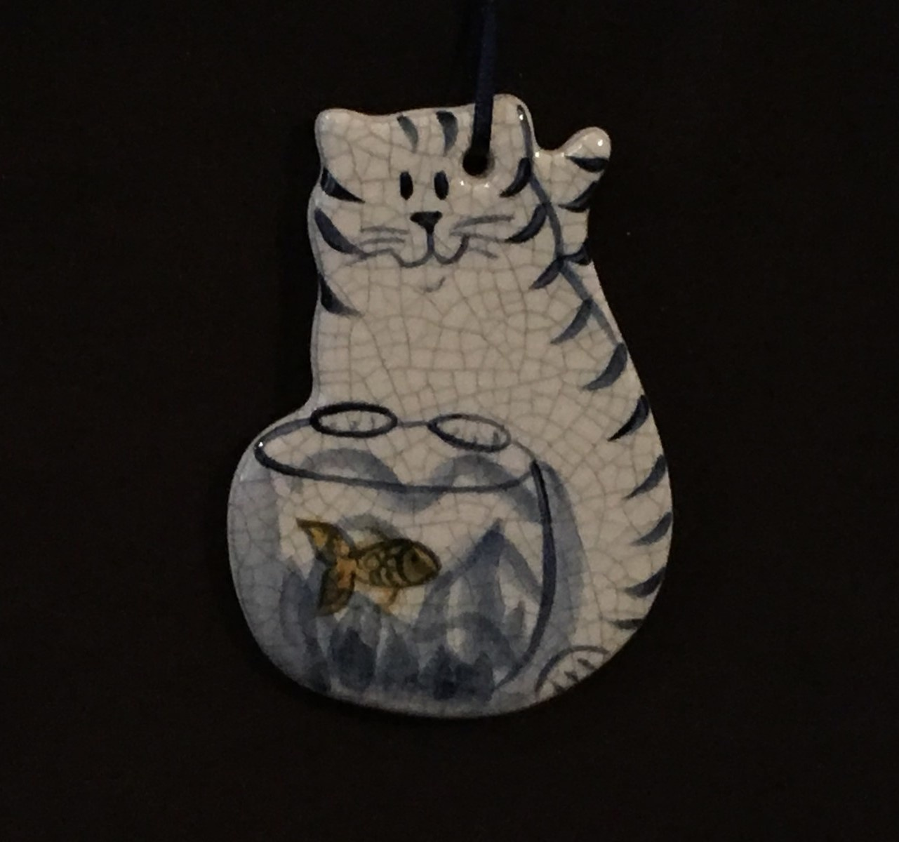 KITTEN WITH GOLD FISH-1