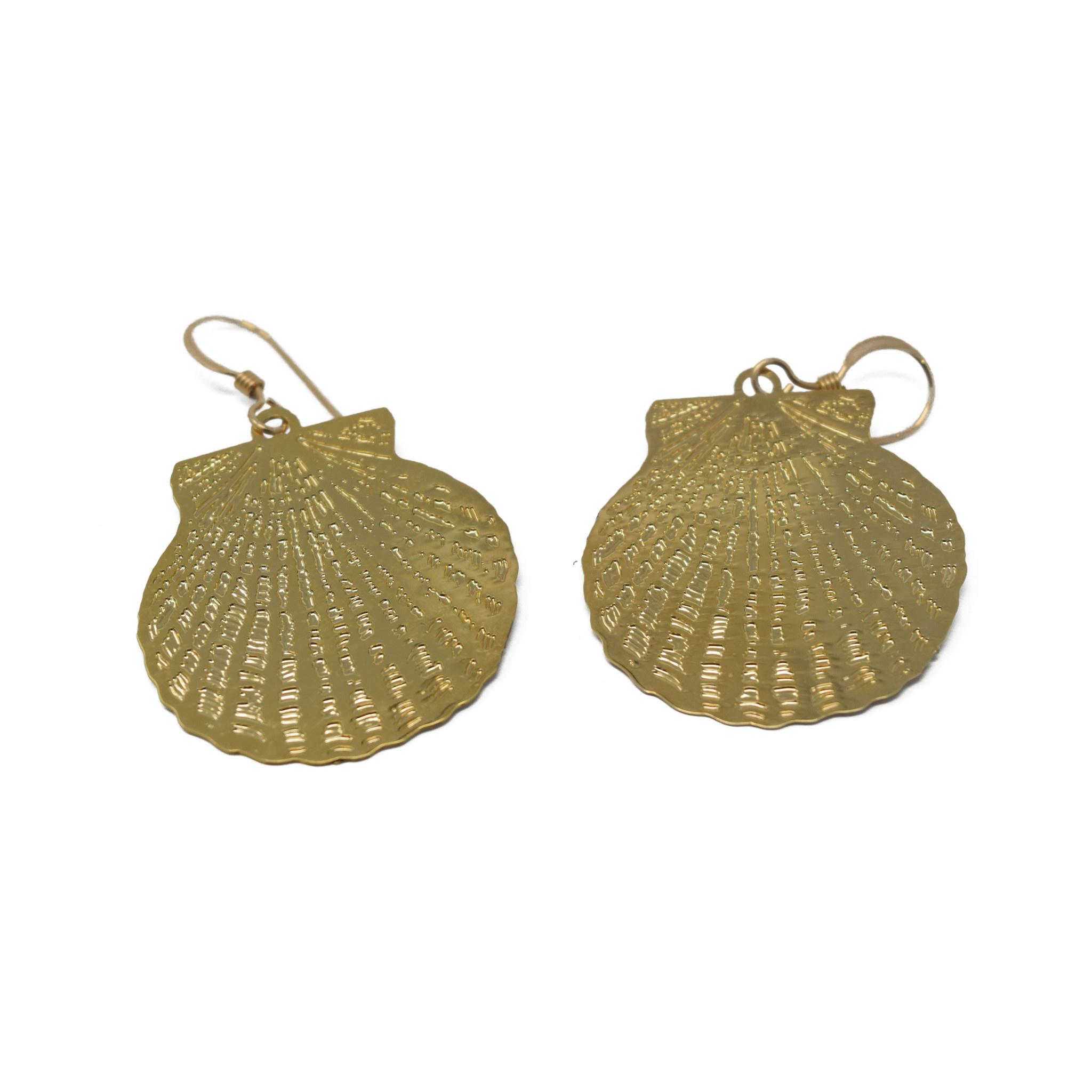 Scalloped Shell Earring-1