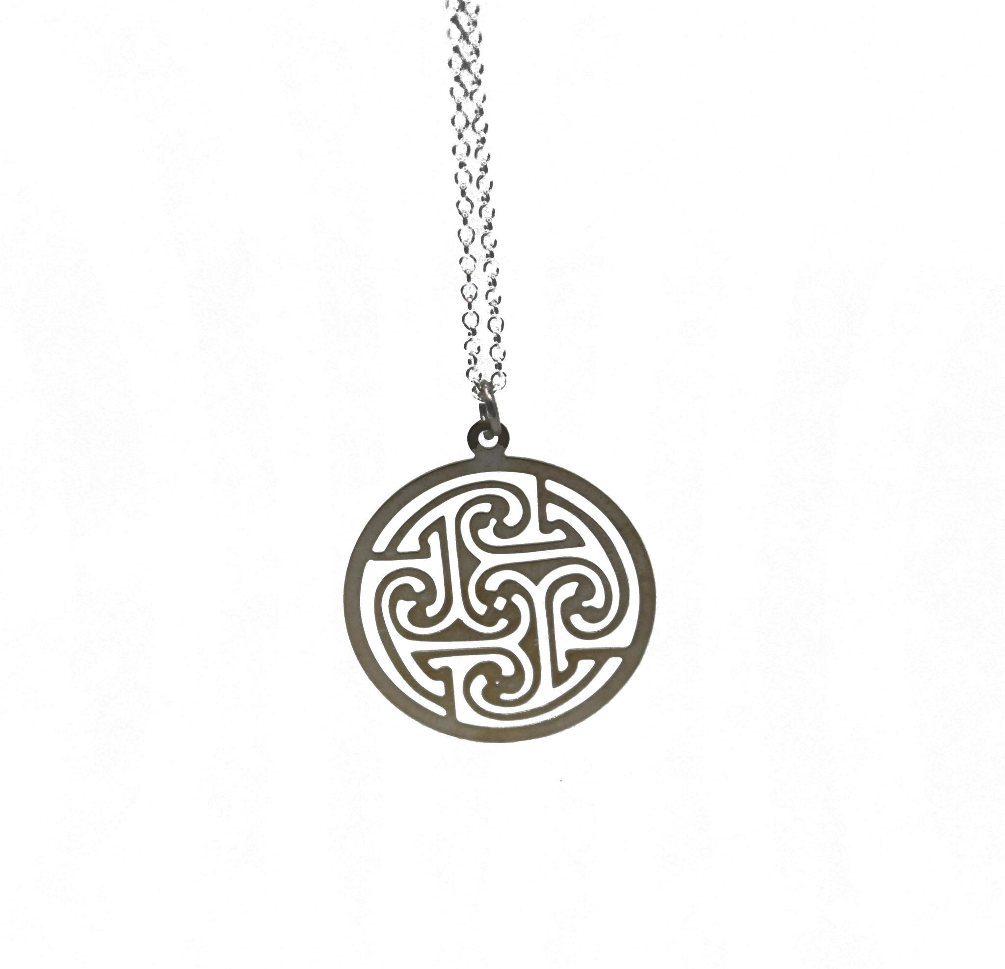 Celtic Circle Necklace-1