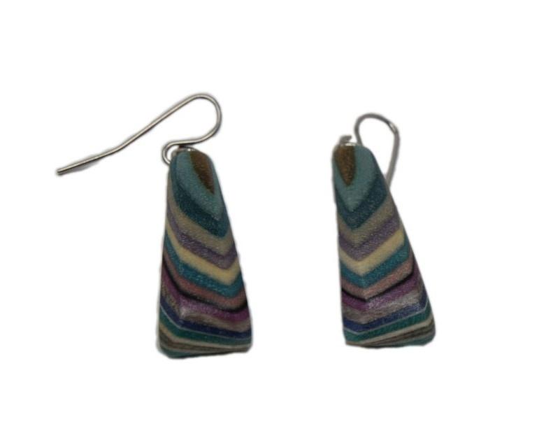 Short Triangle Earrings-1