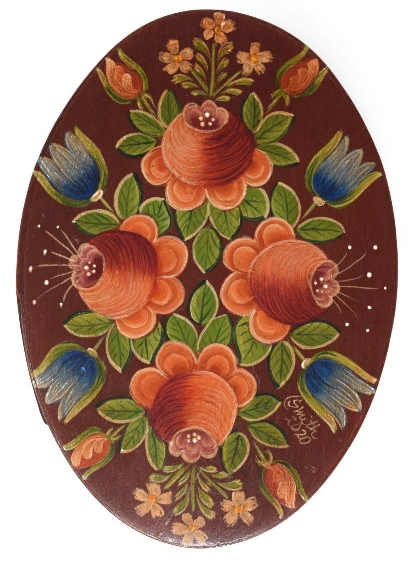 Oval box dark wood with roses-1