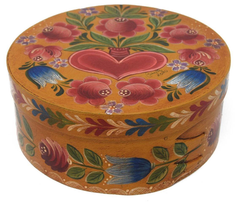 Round Dark Yellow box with tulips and heart vase-2
