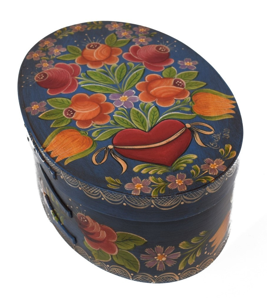 oval heart box with flowers-2