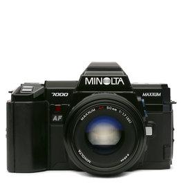 Minolta Minolta Maxxum 7000 35mm SLR w/50mm AF Lens