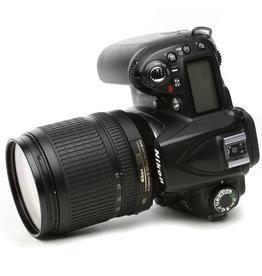 Nikon Nikon D90 12 megapixel camera w-18-105 lens Semester Rental