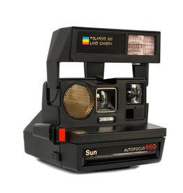 Polaroid Polaroid Sun 660 Instant Camera (600 film)
