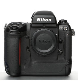 Nikon Nikon F5 Professional 35mm SLR Camera Body