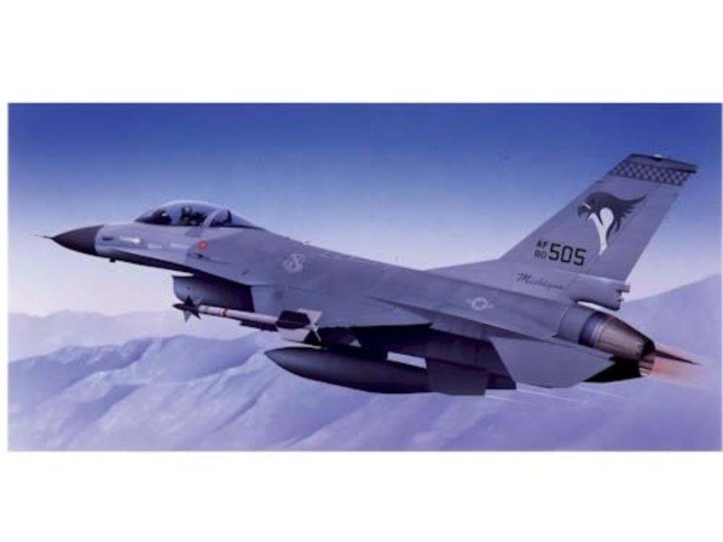 Airfix Airfix Lockheed Martin F-16A Fighting Falcon