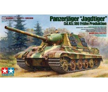Tamiya German Heavy Tank Destroyer Jagdtiger (1/35)
