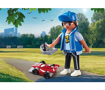 Boy with RC Car (70561)