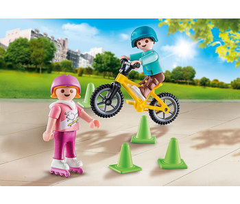 Children with Skates and Bike (70061)