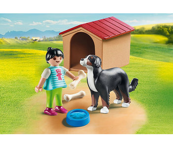 Dog with Doghouse (70136)