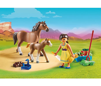 Pru with Horse and Foal (70122)
