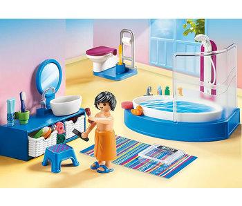 Bathroom with Tub (70211)