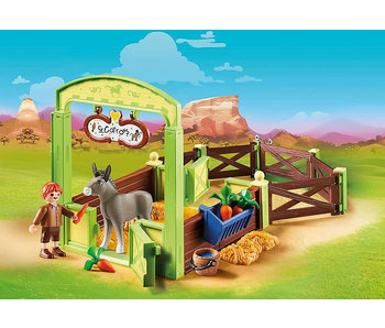 Snips and Señor Carrots with Horse Stall (70120)