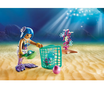 Pearl Collectors with Manta Ray (70099)