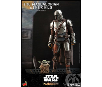 The Mandalorian and The Child Sixth Scale Collecitble Set (Hot Toys)