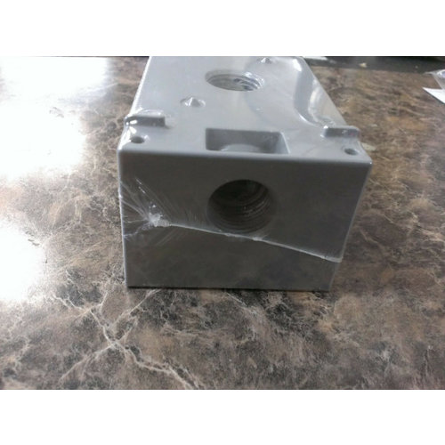 """BWF All-Weather Outdoor Three Hole 1/2"""" Junction Box"""