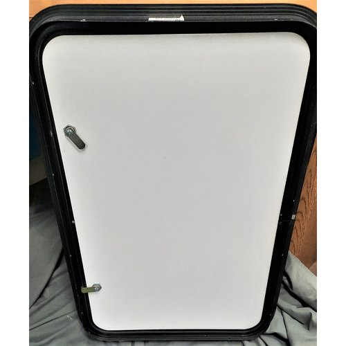 Baggage Door 30 x 20 WHT/BLK