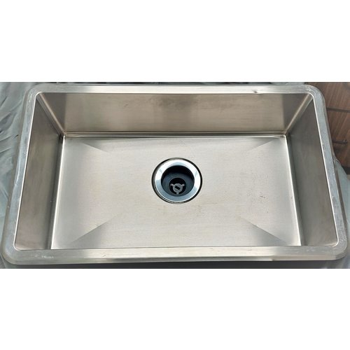Lippert Components Single Basin 25 x 15 Stainless round edge