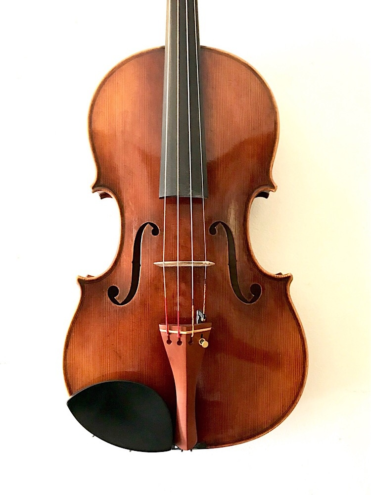"Ming-Jiang Zhu Ming-Jiang Zhu 15.5"" viola labeled Antonius Stradivarius 1699, serial #13641VA"