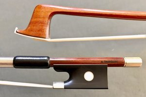 Brazilian S. TRINDADE half-mounted nickel violin bow, Brazil