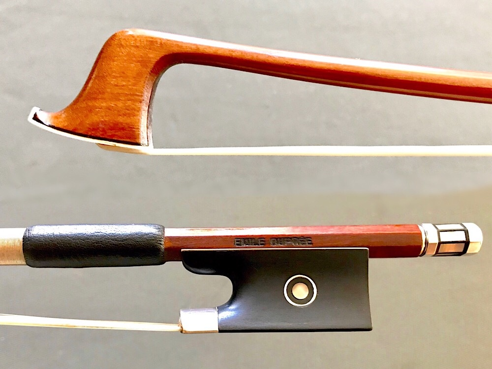 EMILE DUPRÉE round, flamed Pernambuco silver & ebony violin bow, 62 g. GERMANY