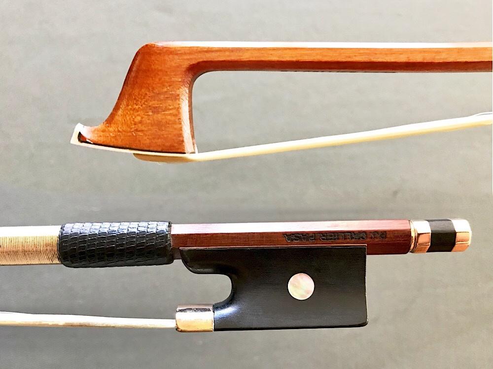 P.J. CALLIER gold & ebony violin bow, Pasadena, California, USA, 62.5 g.
