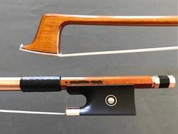 Brazilian V. SCHAEFFER gold violin bow by Arcos Brasil. BRAZIL, 61.2 g.