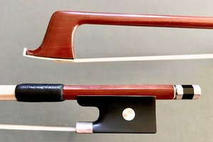 Pernambuco 3/4 violin bow, unbranded, with silver-mounted ebony frog