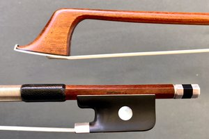 Boyd POULSEN cello bow, silver-mounted, round Pernambuco stick, USA