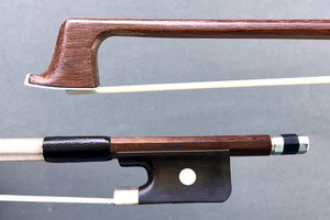 Werner WERNER 4/4 Brazilwood viola bow, nickel half-mounted ebony frog, round stick