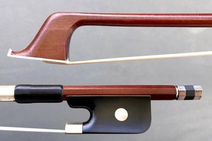 Unbranded 4/4 Brazilwood half-mounted student cello bow