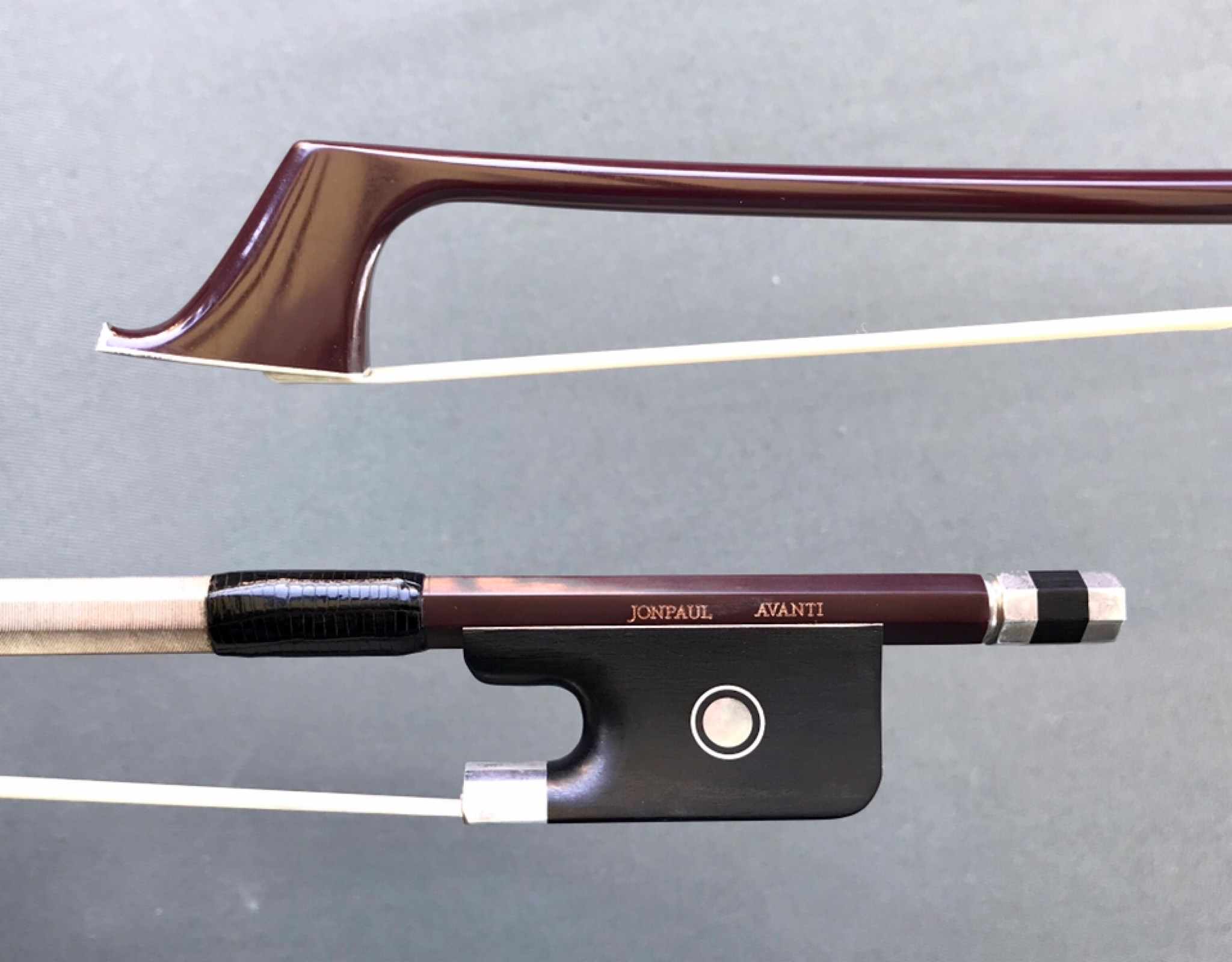 JonPaul JonPaul AVANTI silver, burgundy carbon-fiber cello bow, USA