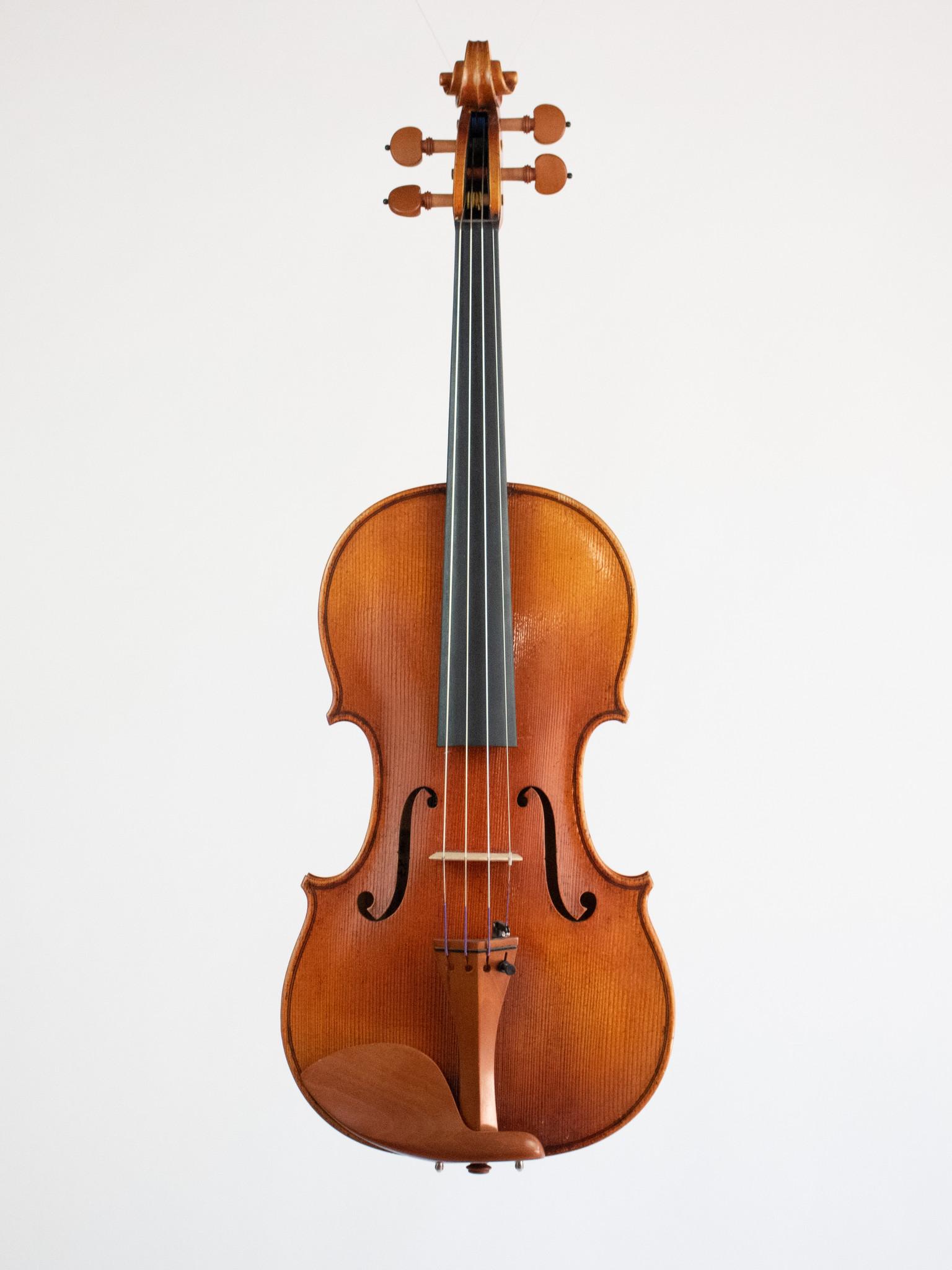 Heinrich Gill Heinrich Gill 4/4 violin, model No. X7, Bubenreuth, Germany 2014