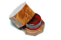 Thorvaldsson Sartory Rosin for violin viola cello in octagonal wood box