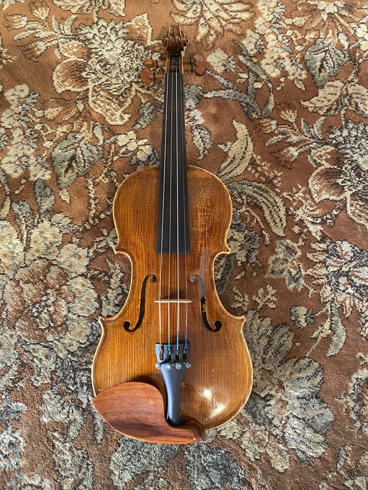 Fine used Chinese 1/4 violin outfit