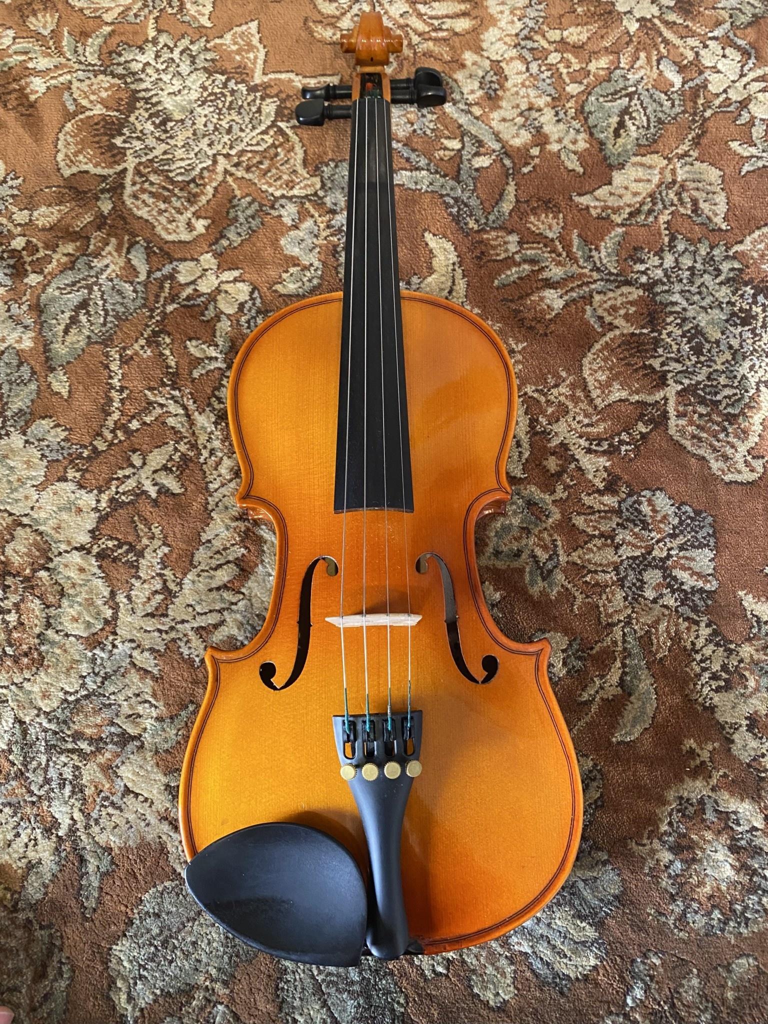 1/2 Serafina violin outfit, used