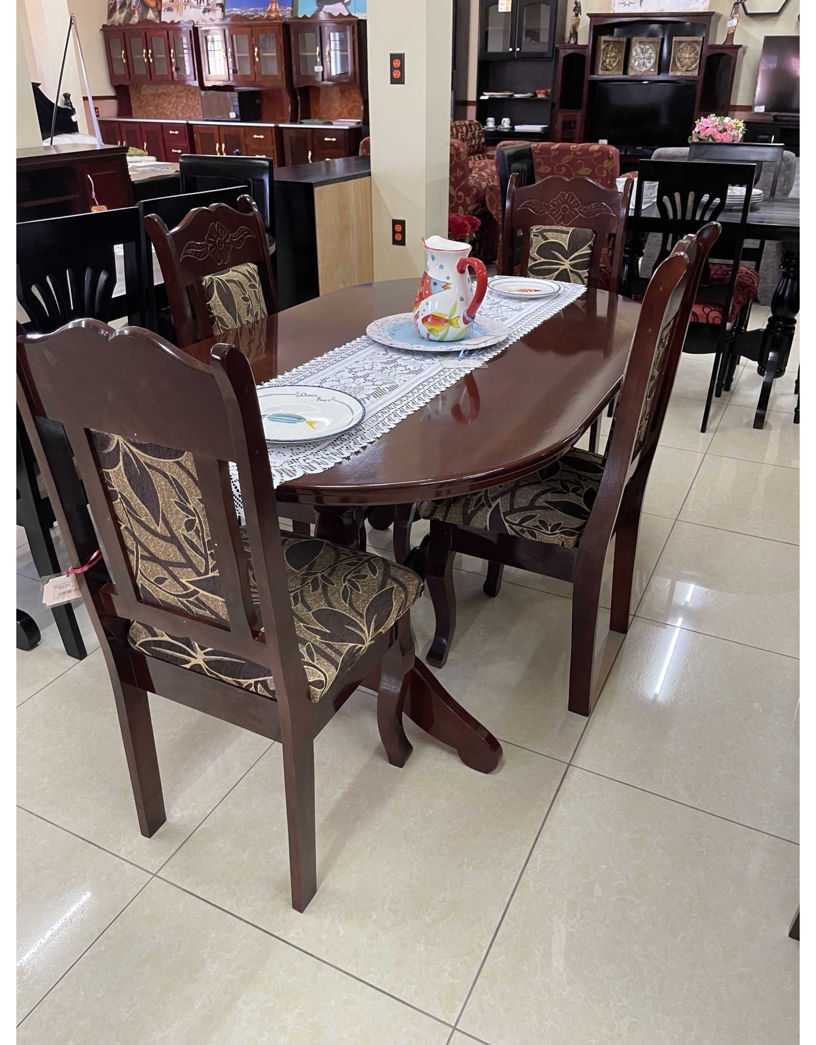 Kitchen Table w/4 Chairs and Carving (CZL)