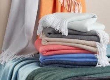Decorative Pillows &Throws