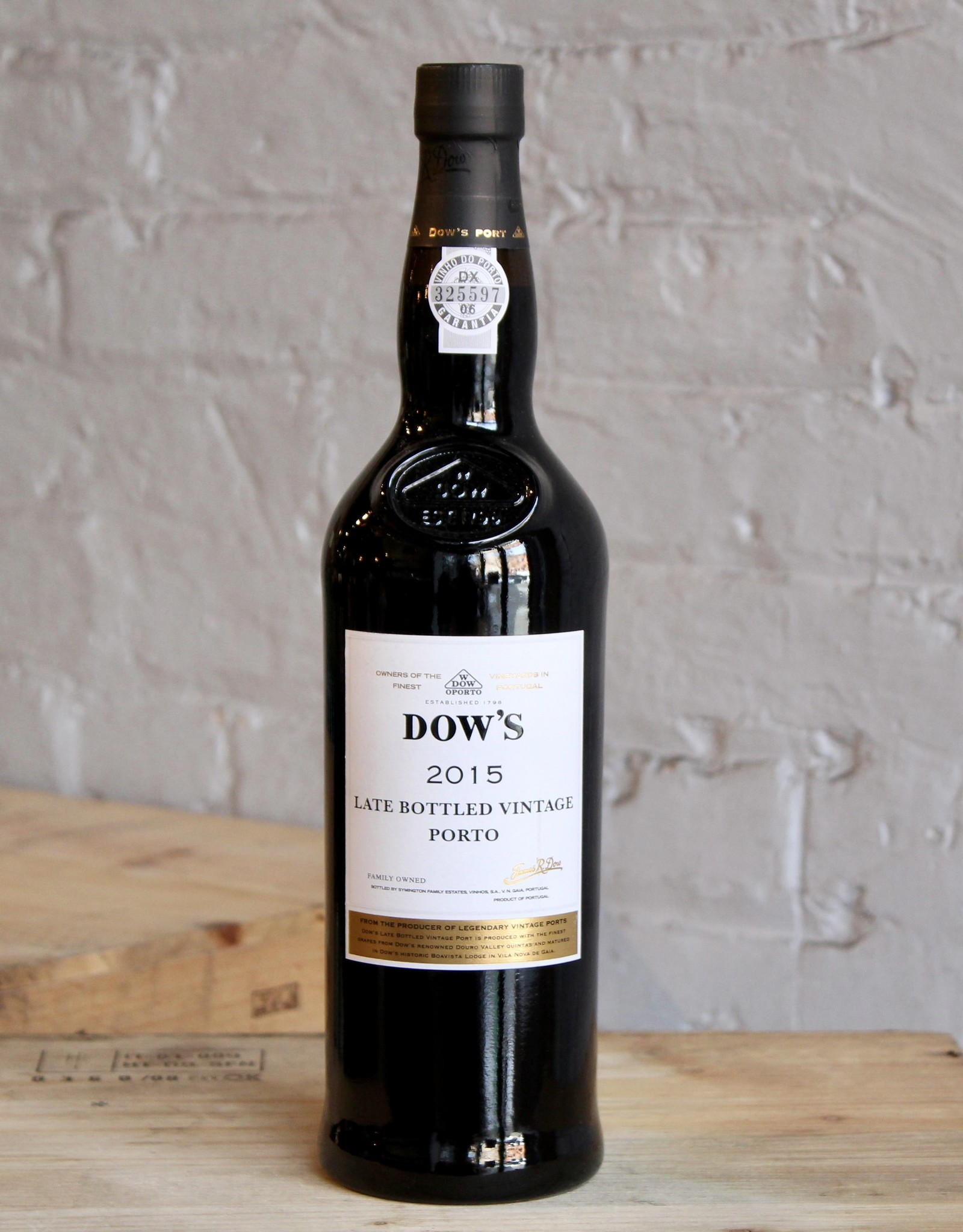 Wine 2015 Dow's Late Bottled Vintage Port - Douro, Portugal (750ml)
