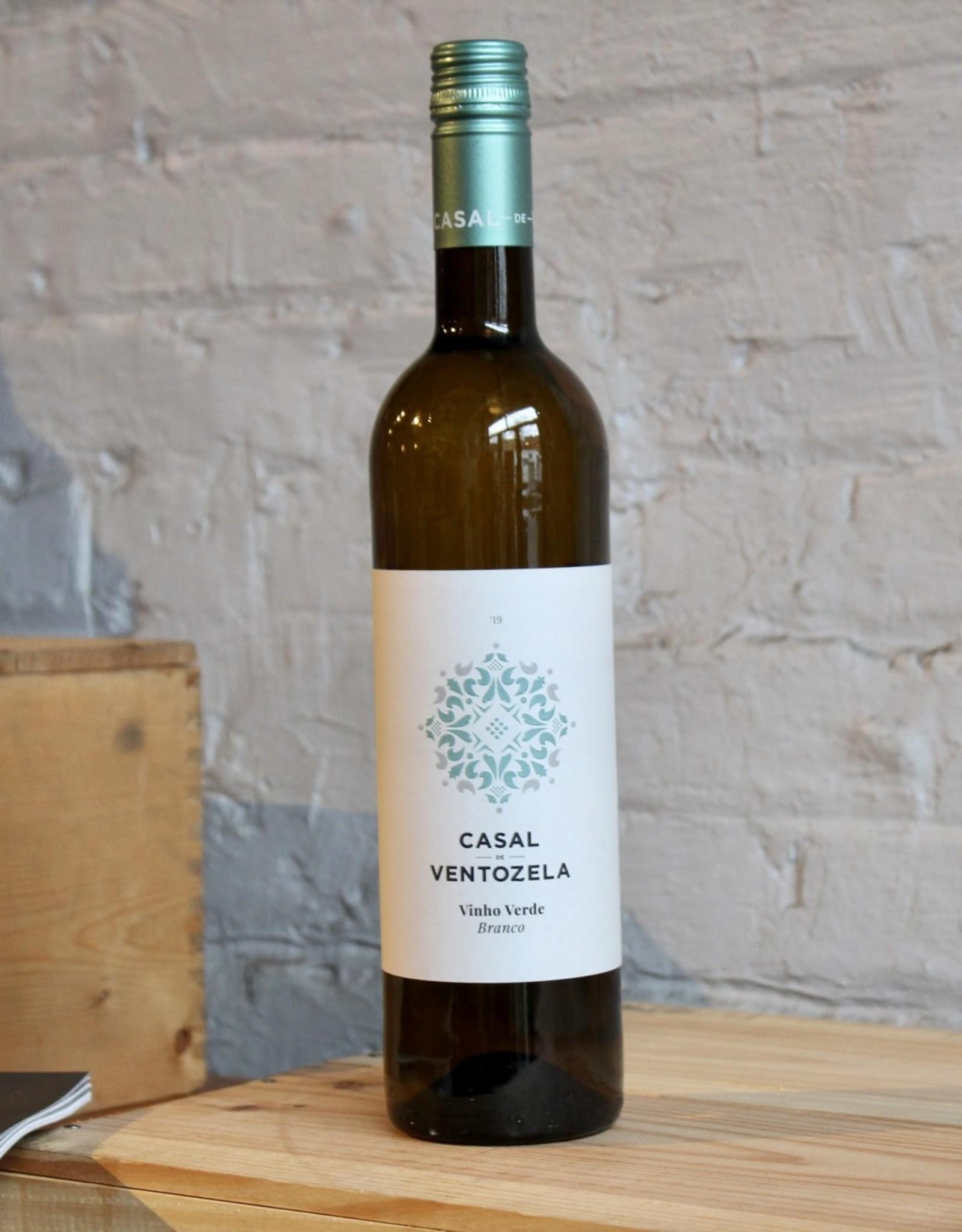 Wine 2019 Casal de Ventozela Vinho Verde - Minho, Portugal (750ml)