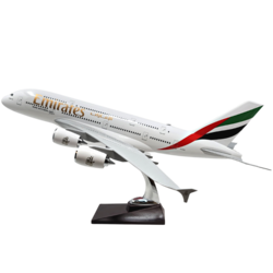 Model Airplane - Emirates