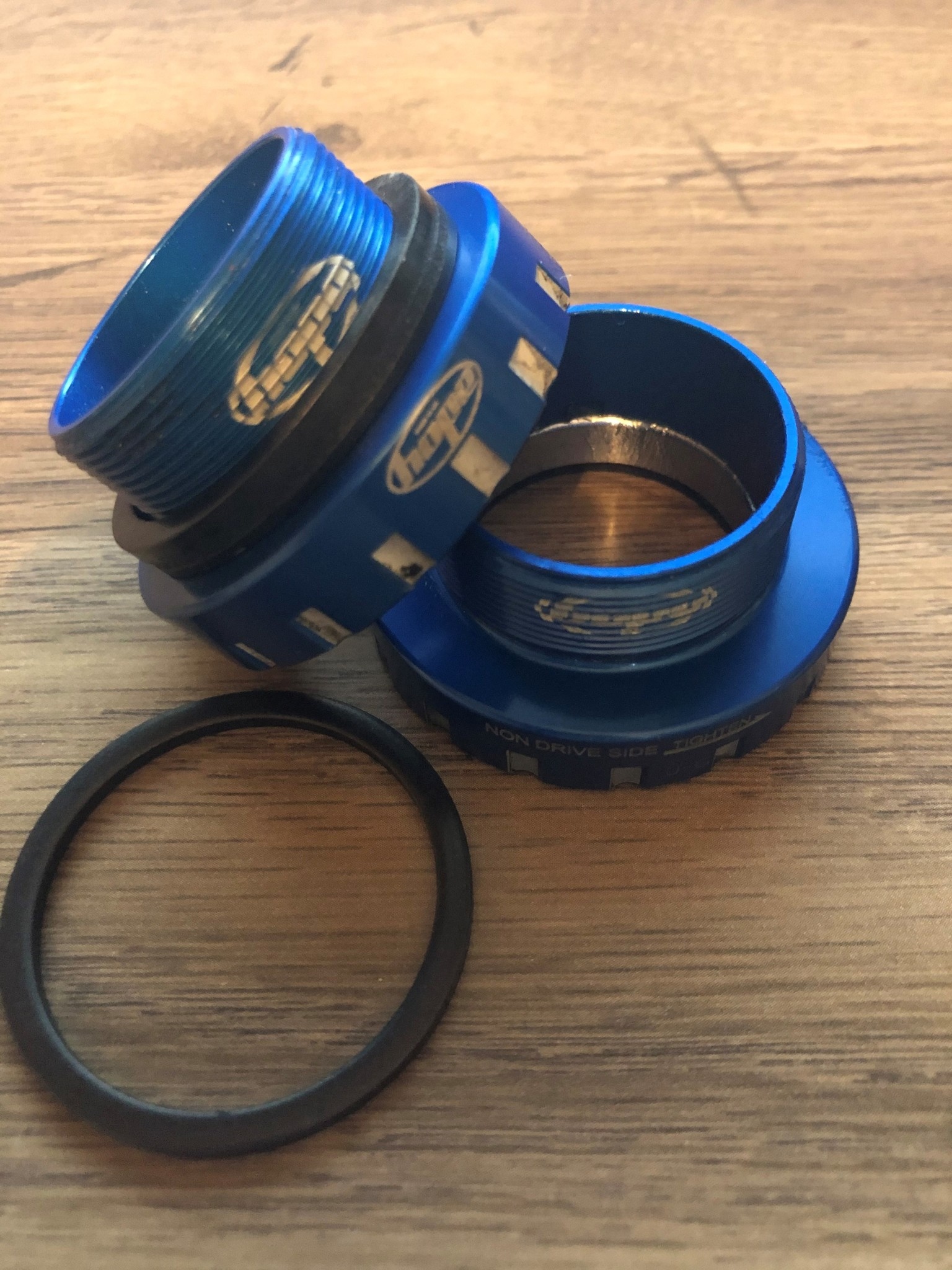 Hope Tech Bottom Bracket 30mm (Threaded) - Blue-1