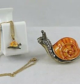 Enameled Box Snail w/ Necklace PRT